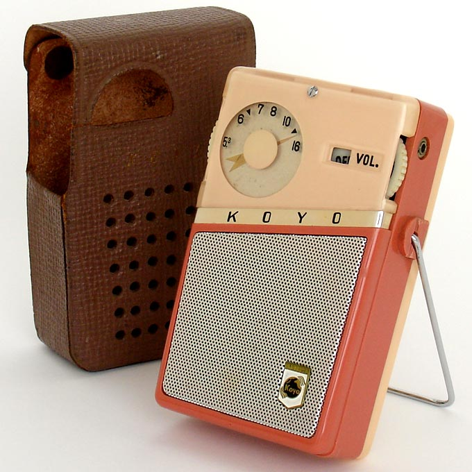 1331047 in addition Vintage 1962 Sony TR 725 Pocket Portable Transistor Radio 331870003420 moreover Transistor Horizontal Tv Sony 29 also Radio Collection likewise Vintage 1962 Sony TR 725 Pocket Portable Transistor Radio 331870003420. on tr 6 transistor radio sony